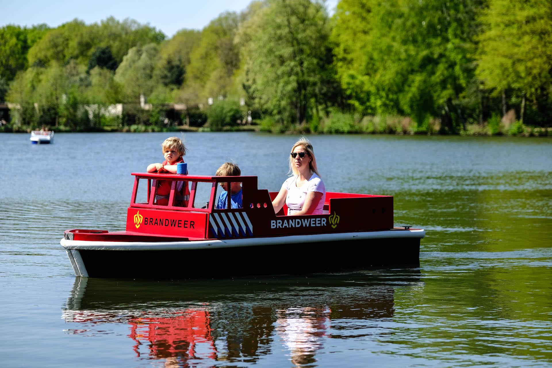 Miniportworld: fantastic themed boats.